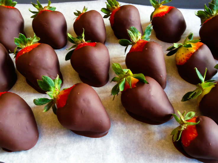 Chocolate-Covered Strawberries - Girlfriends Coffee Hour